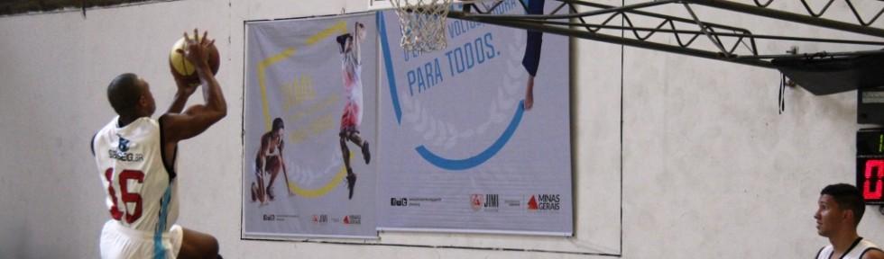 Jogando em casa, São João del Rei conquistou o título do basquete masculino. (Foto: Felippe Drummond/SEESP)